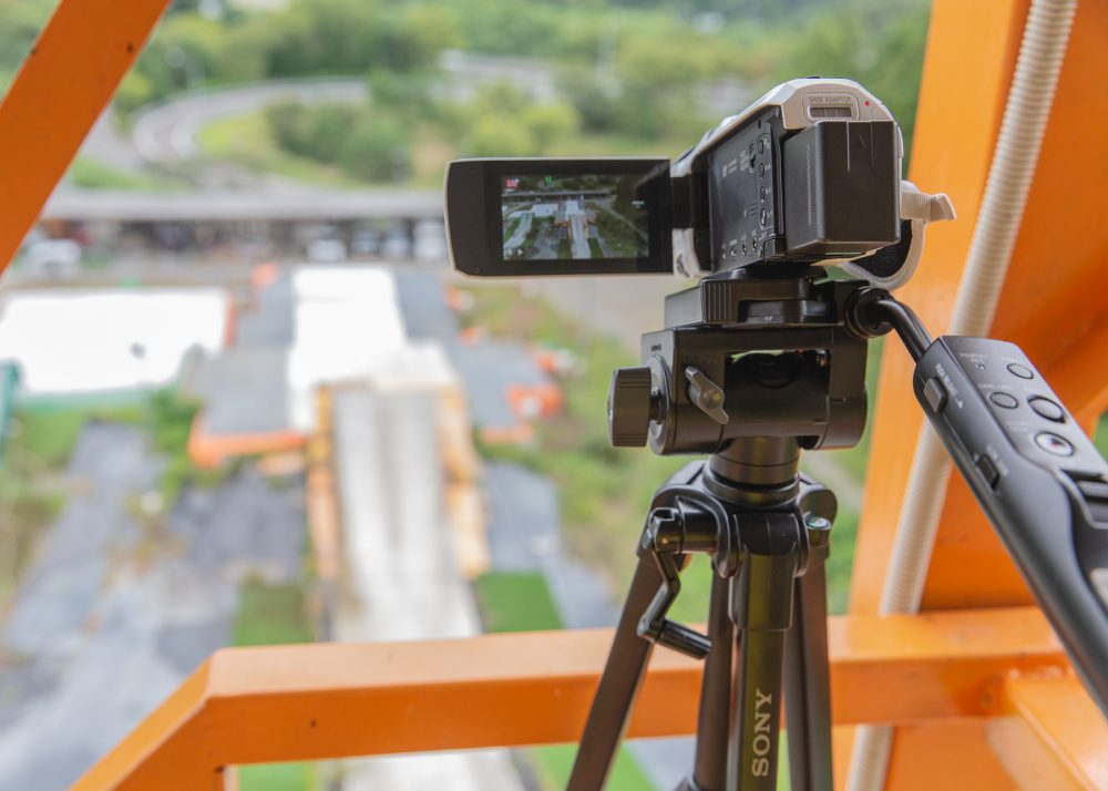 背後からの撮影カメラ
