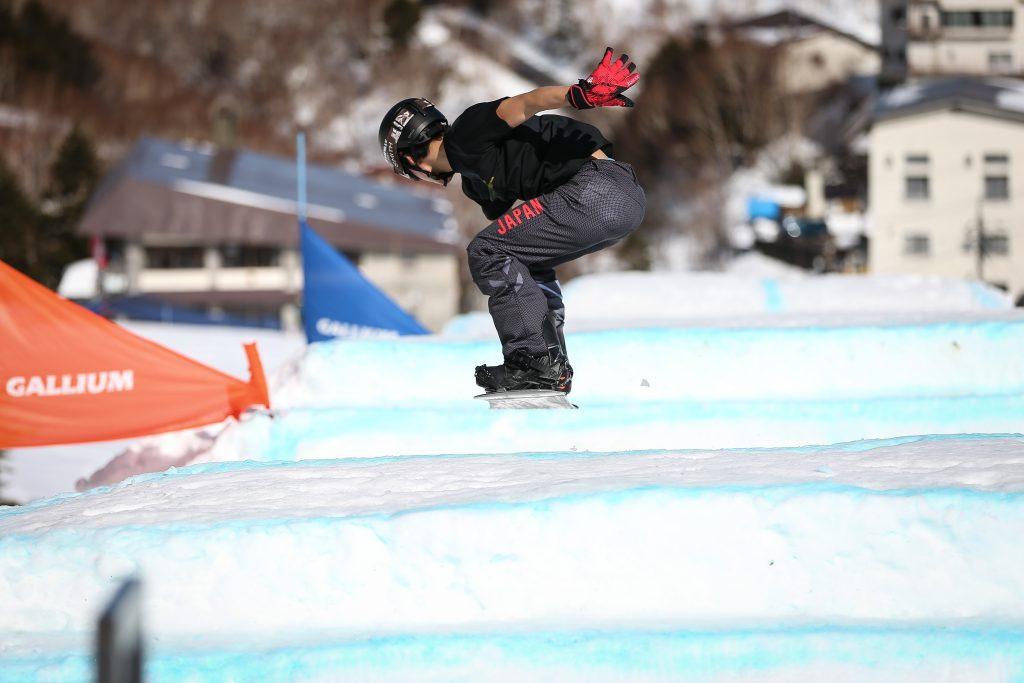 0213snowboardcross0397