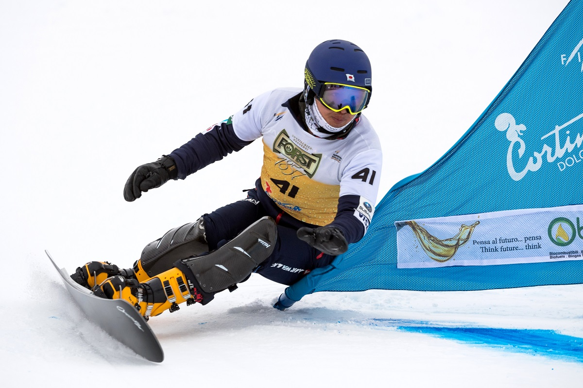 FIS Snowboard World Cup - Cortina d'Ampezzo ITA - PGS -    KAMINO Shinnosuke JPN © Miha Matavz