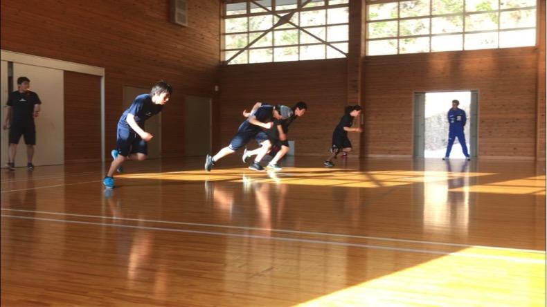5体育館でのコンディショニングトレーニング
