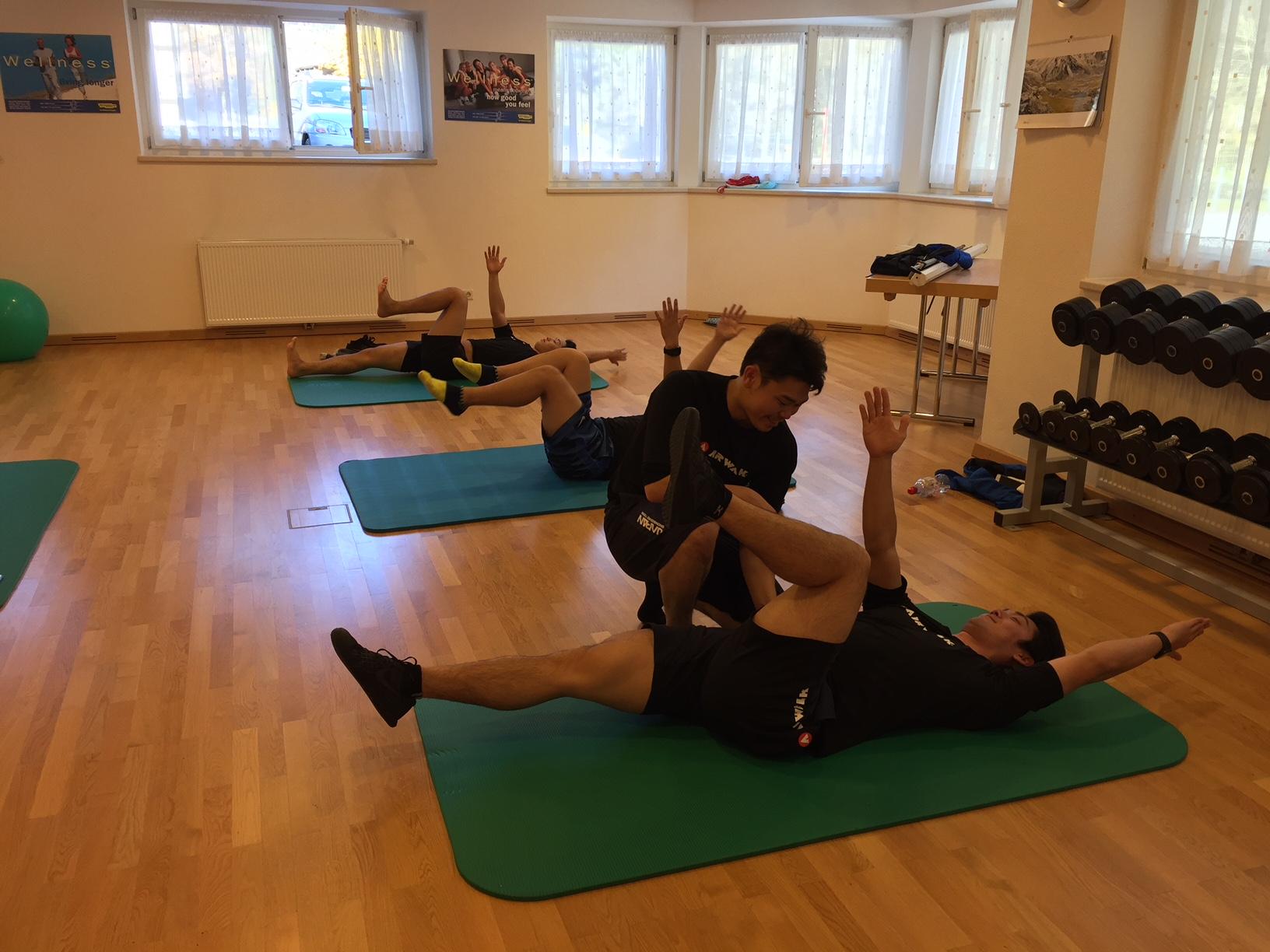 チームでの体幹トレーニング