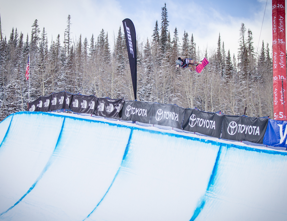 Hikaru Oe backside air in qualifying at the US Grand Prix, Snowmass.